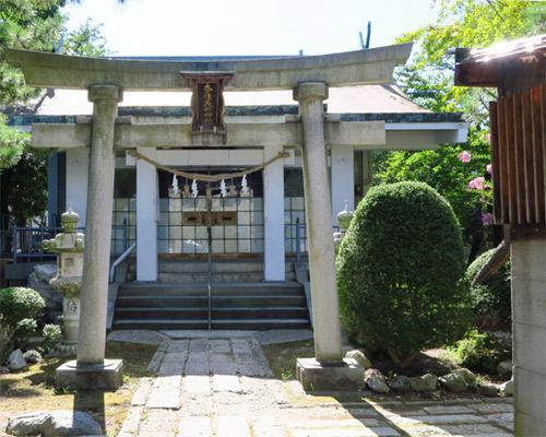 奈佳美禰神社の鳥居