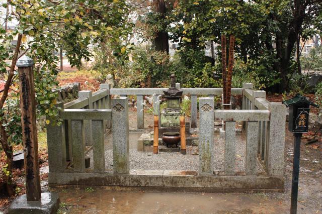 古長禅寺のお墓