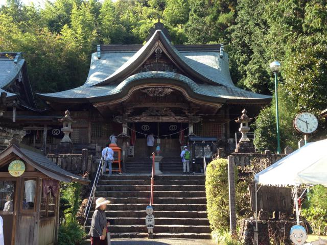 高知県清滝寺の本殿
