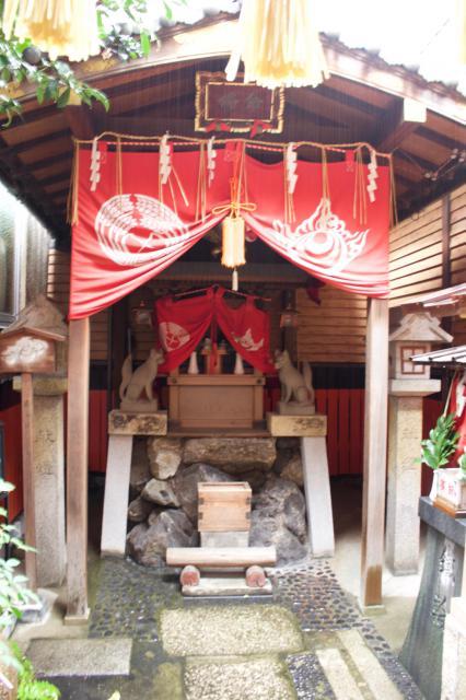京都府命婦稲荷社の本殿