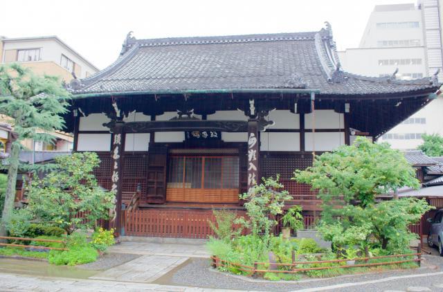 京都府聖光寺の本殿