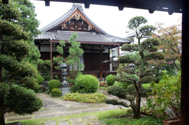 京都府蓮光寺の本殿