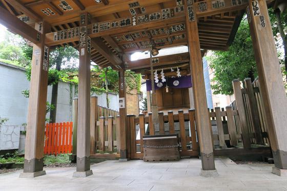 境稲荷神社の建物その他