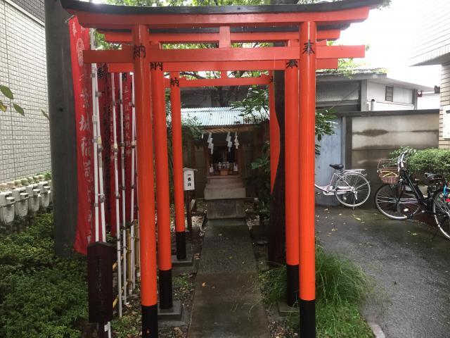 千束繁城稲荷神社の鳥居