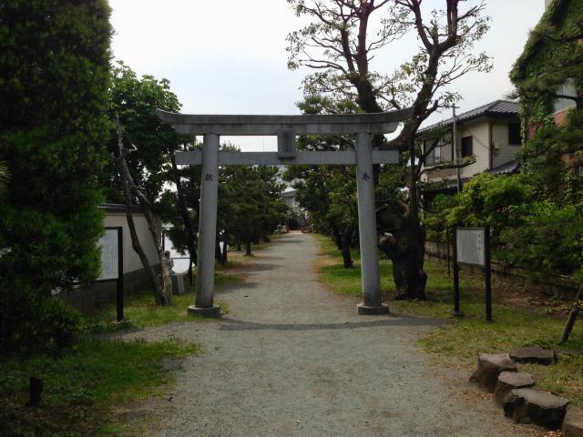 神奈川県琵琶島神社の鳥居