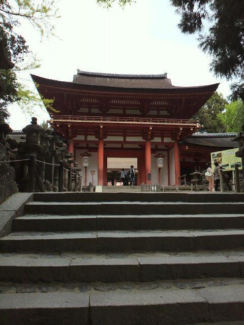 奈良県春日大社の山門