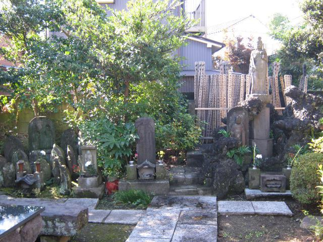 見光寺(神奈川県天王町駅) - お墓の写真