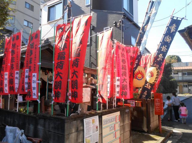 東京都於春稲荷神社のお祭り