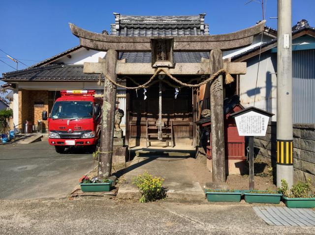 兵庫県呉服神社の本殿