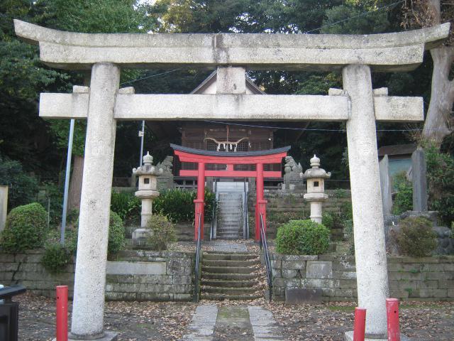 定泉寺の近くの神社お寺|御霊社