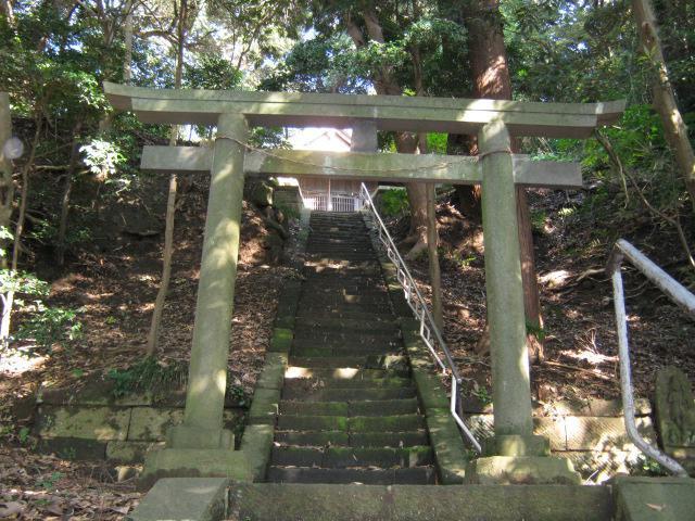 八幡神社(神奈川県北鎌倉駅) - 鳥居の写真