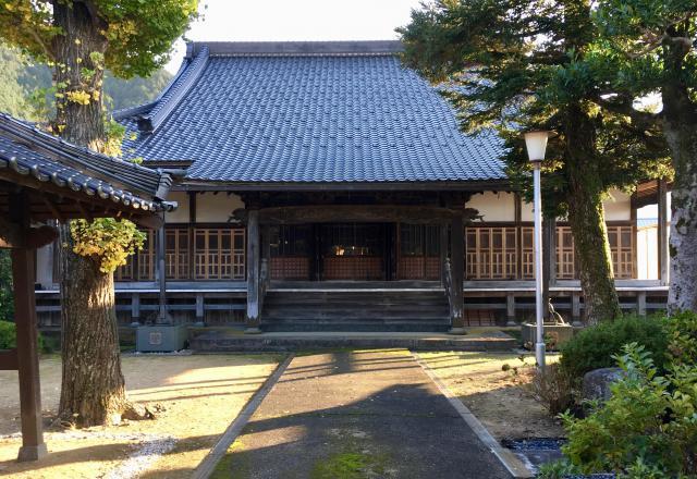 兵庫県福成寺の本殿