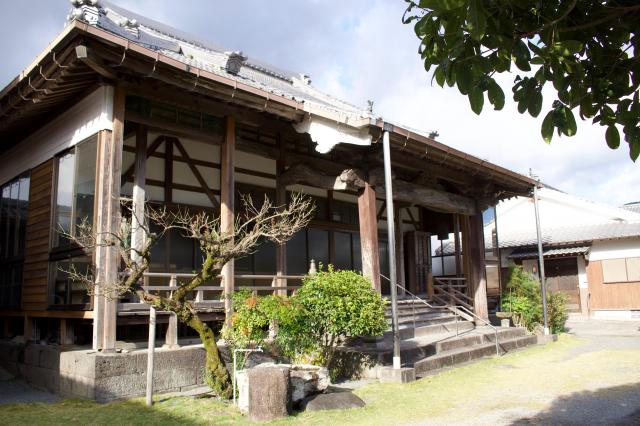 光寿寺の本殿
