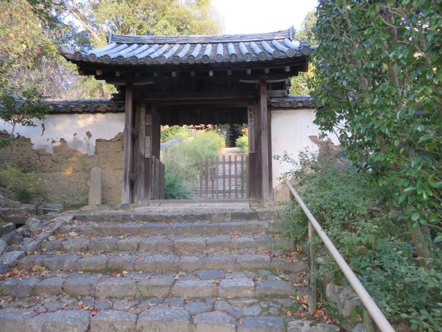 白毫寺の山門