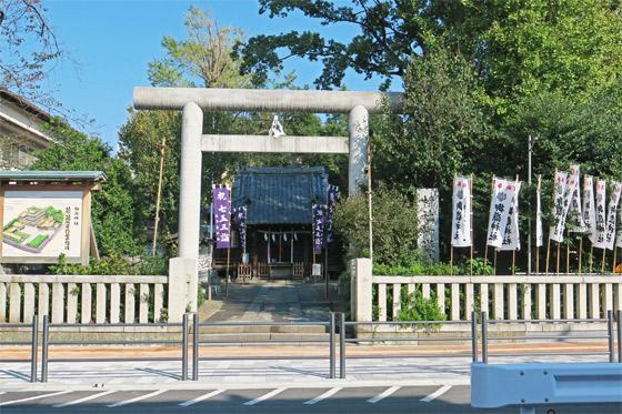 池袋御嶽神社(東京都要町駅) - 鳥居の写真