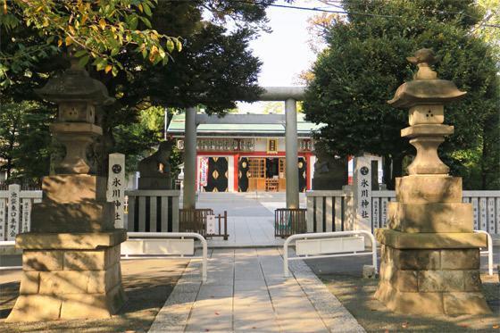 東京都池袋氷川神社の鳥居