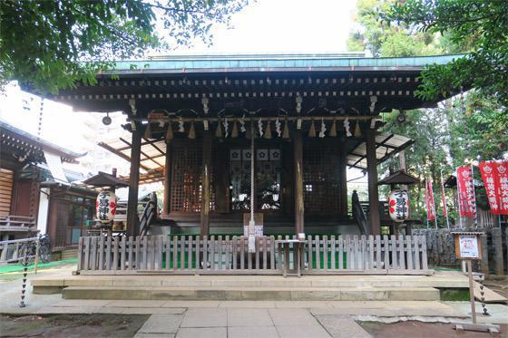 東京都子易神社の本殿