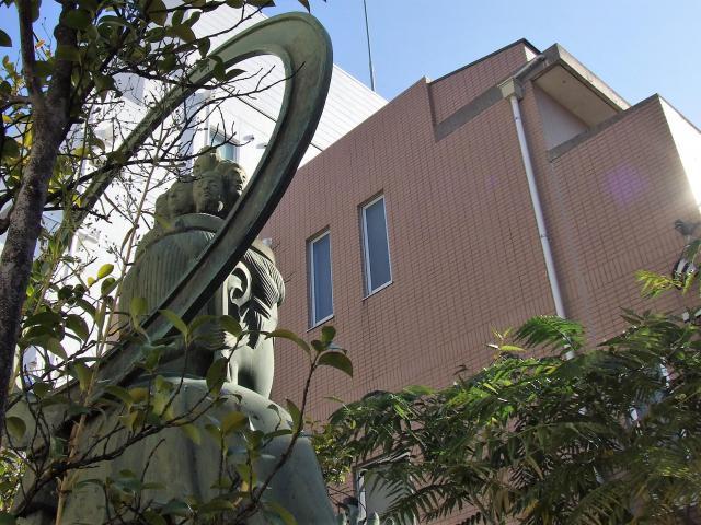 東京都本郷薬師の仏像