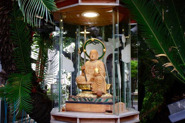 真光院の仏像