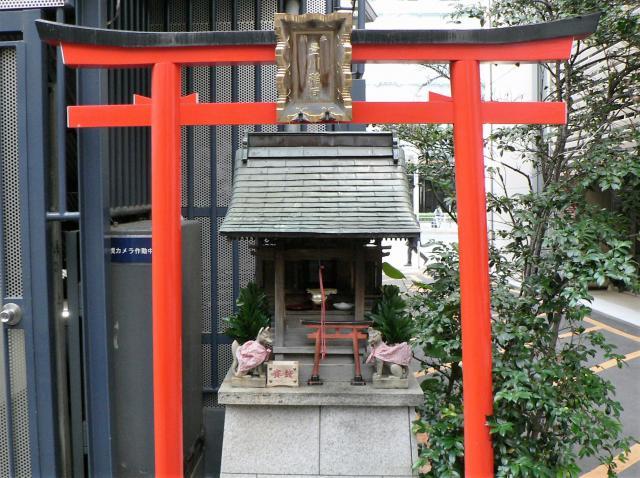 東京都豊川稲荷の本殿