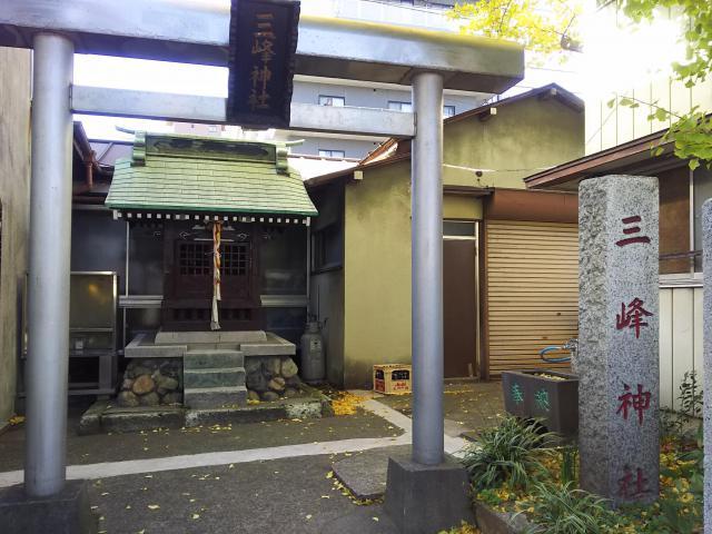 埼玉県高砂三峰神社の鳥居