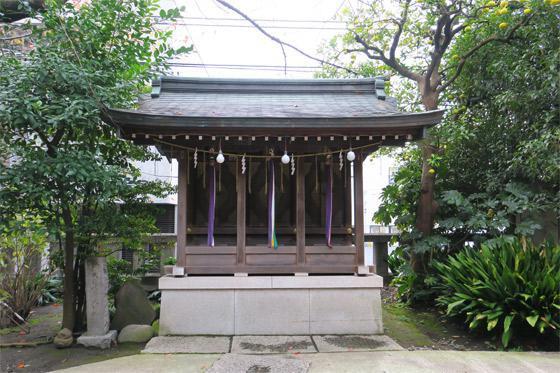 東京都青山熊野神社の本殿