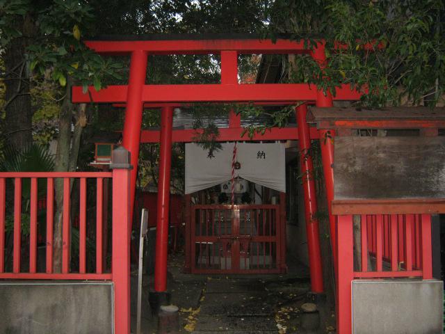 東京都合力稲荷神社の鳥居