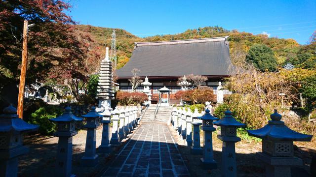 山梨県法泉寺の本殿
