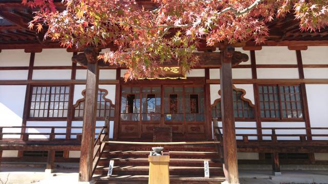 山梨県能成寺の本殿