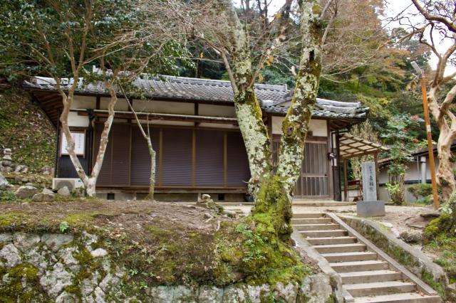 京都府真輪院の本殿