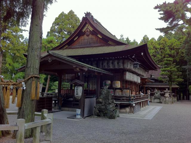 建部神社の本殿