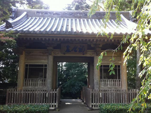 静岡県龍潭寺の山門