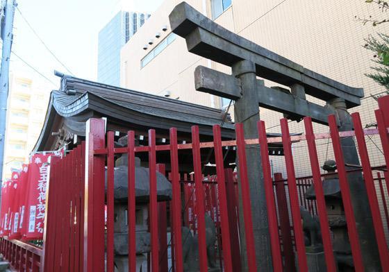 東京都白玉稲荷神社の本殿
