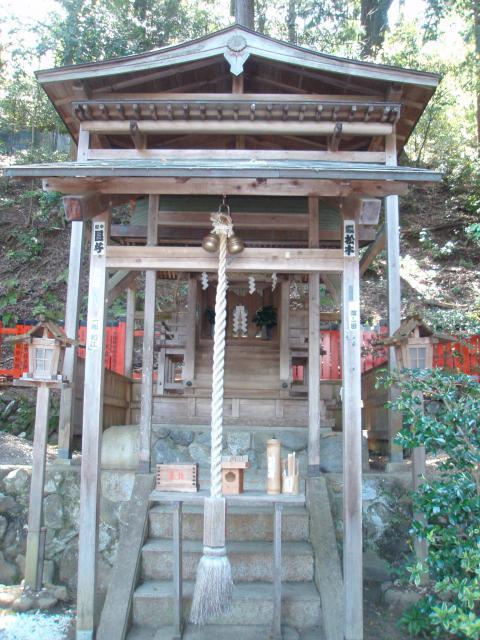 京都府御髪神社の本殿