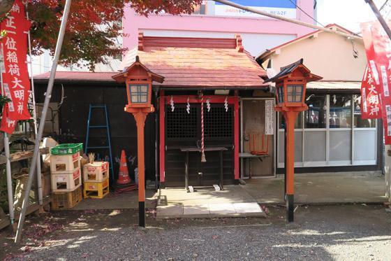 東京都正一位稲荷大明神の本殿