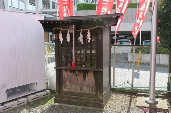 東京都正一位稲荷大明神の末社