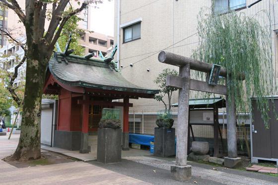 栁神社の本殿