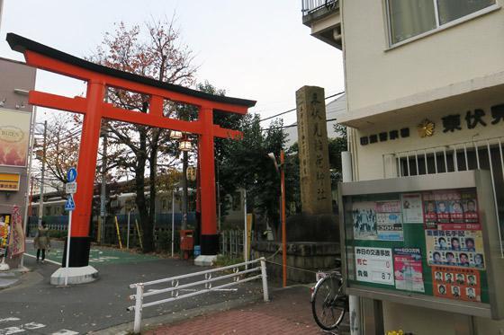 東京都東伏見稲荷神社の鳥居