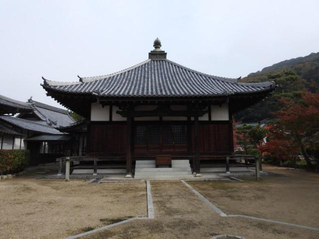 普賢院の本殿