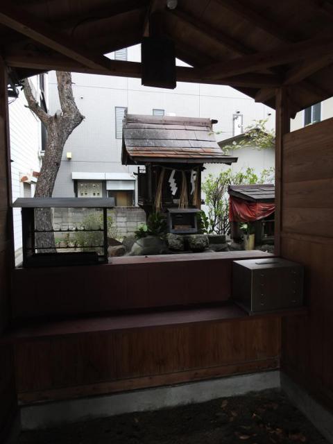 道通神社の末社