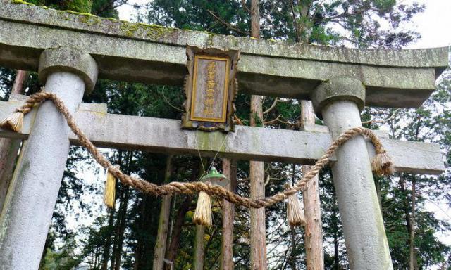 岐阜県気多若宮神社の鳥居