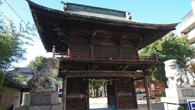 穴切大神社の山門