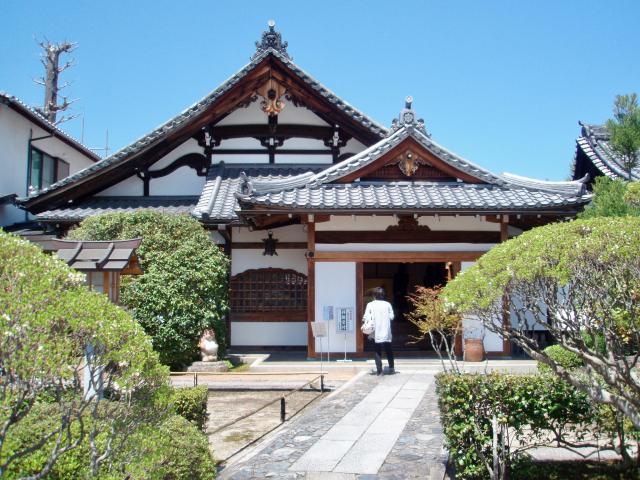 弘源寺の本殿