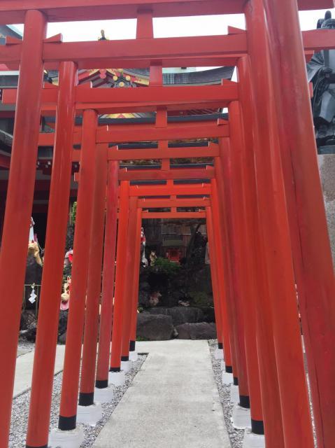 神奈川県京濱伏見稲荷神社の鳥居