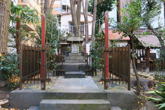 新橋鹽竃神社の末社