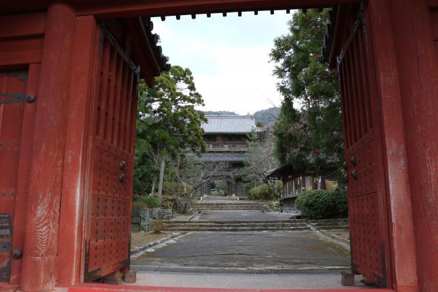 山口県東光禅寺の山門