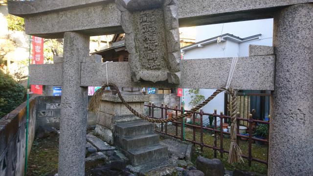 東京都福徳稲荷神社の鳥居