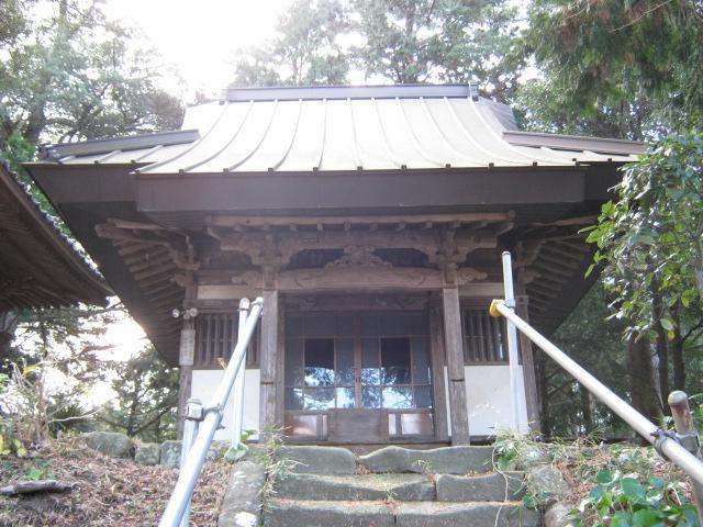 鏡忍寺の本殿