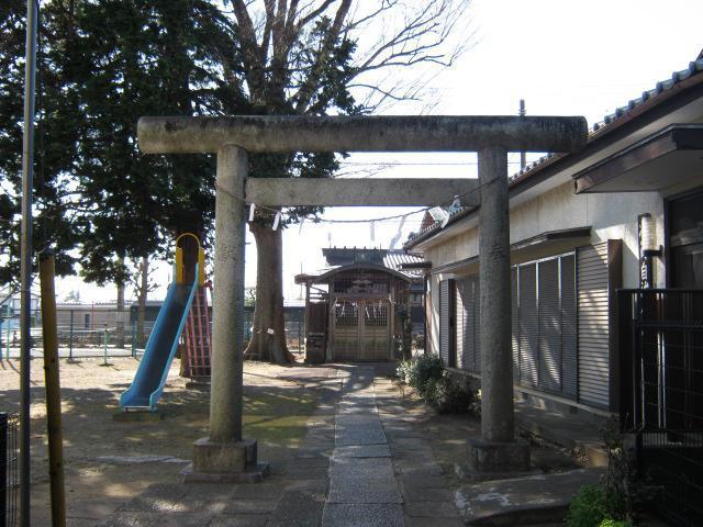 三峯神社(埼玉県岩槻駅) - 鳥居の写真