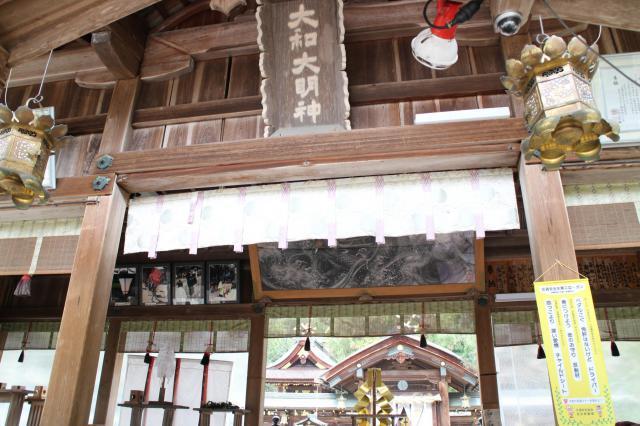 奈良県大和神社の本殿